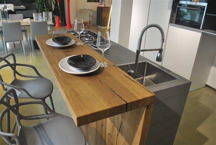 Cucine Con Bancone In Legno : Lazzereschi arreda