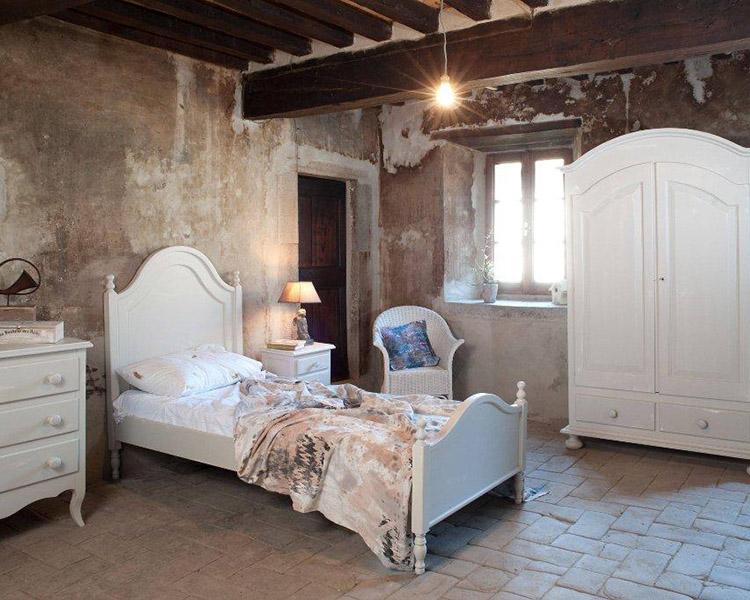 Arredamenti in stile toscano per bed breakfast e agriturismi - Camere da letto in legno rustico ...